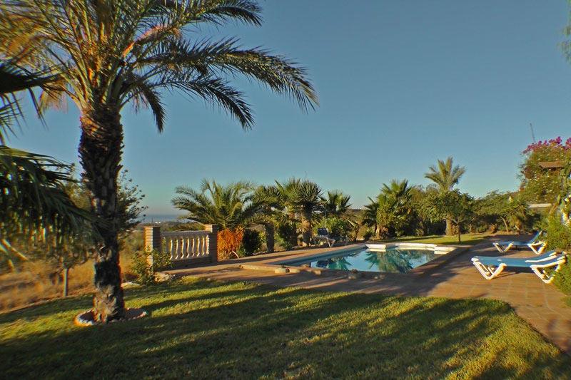 Casa jardin bolero ferienhaus benajarafe costa del sol for Casa jardin nerja