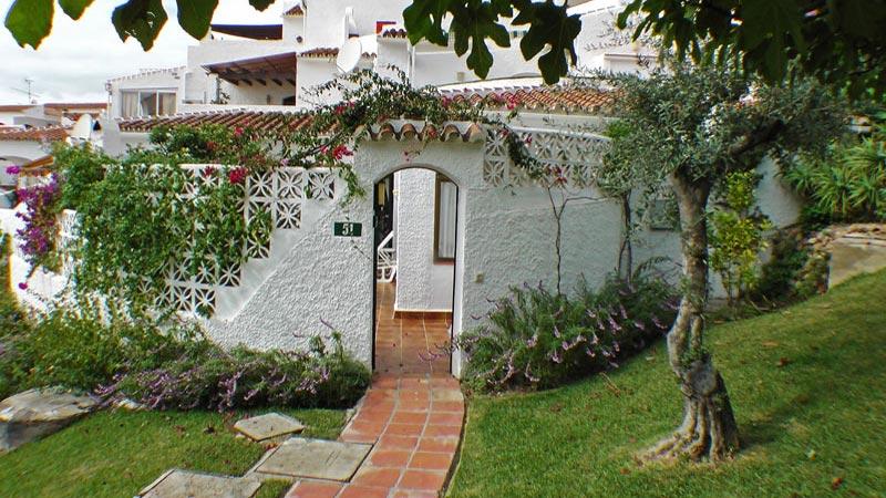 Der Eingang von Villa Limón.